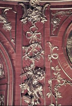 Detail: Bildhauerwerkzeuge und eine Büste am linken Paneelder Südostwand, Aufn. Cürlis, Peter, 1943/1945