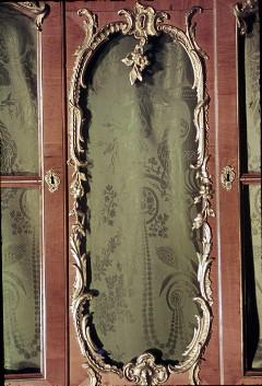 Detail: mittlerer Teil des Bücherschranks der Südwestwand, Aufn. Cürlis, Peter, 1943/1945