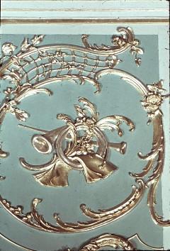 Detail: Musikinstrumente am rechten Seitenpaneel der Ostwand, Aufn. Cürlis, Peter Cürlis, Peter, 1943