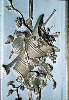 Detail: Weinkiepe mit einer Flöte auf dem Paneel in derNordostecke, Aufn. Cürlis, Peter, 1943/1945